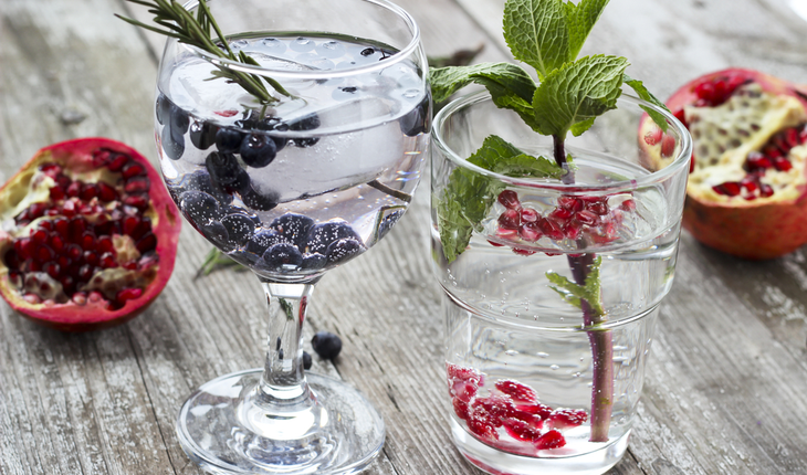 rosemary and peppermint drinks