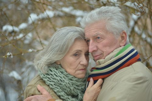 sad-couple-in-winter