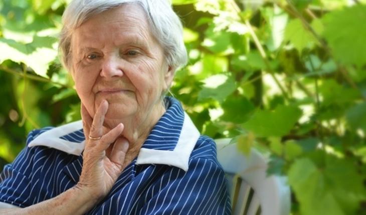 sad-older-woman.jpg
