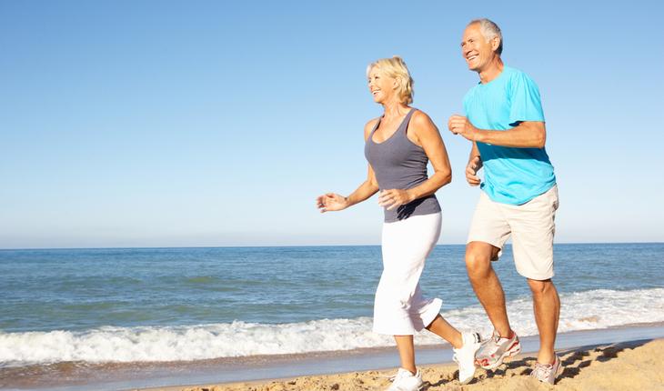seniors-running-on-a-beach