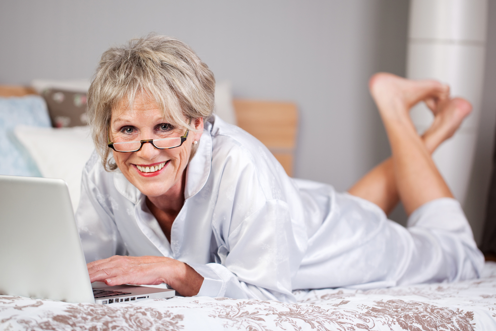 sexy senior woman online.jpg