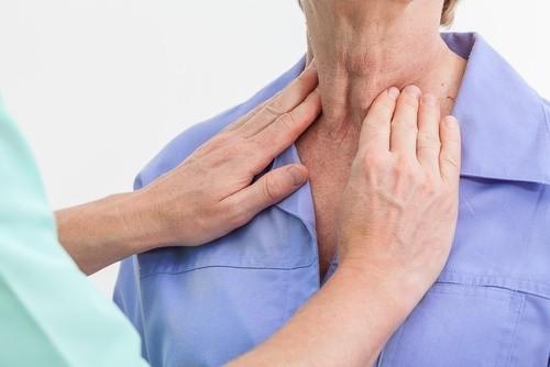 thyroid-exam