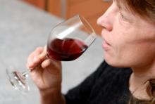 woman-drinking-alcohol.jpg