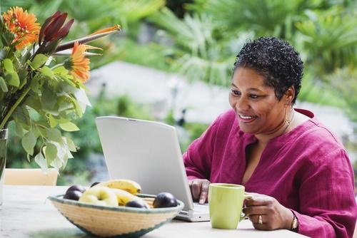 woman reading laptop